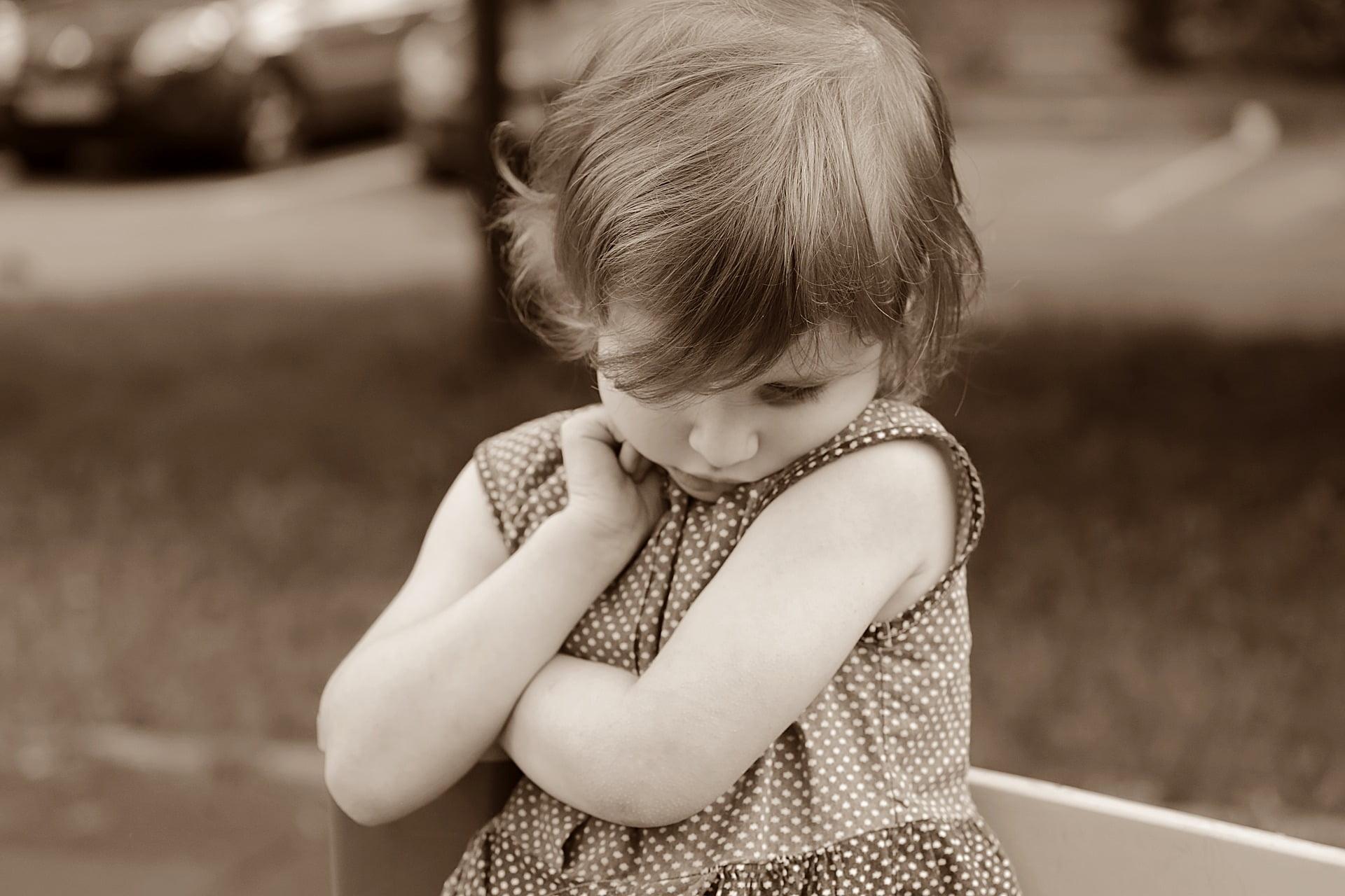 Fiecare copil are propriul temperament. Vrei să știi ce faci când ai un copil timid?
