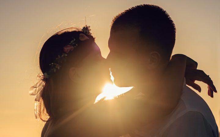 Cum readucem pasiunea în cuplu? Prin toate metodele. Toate!