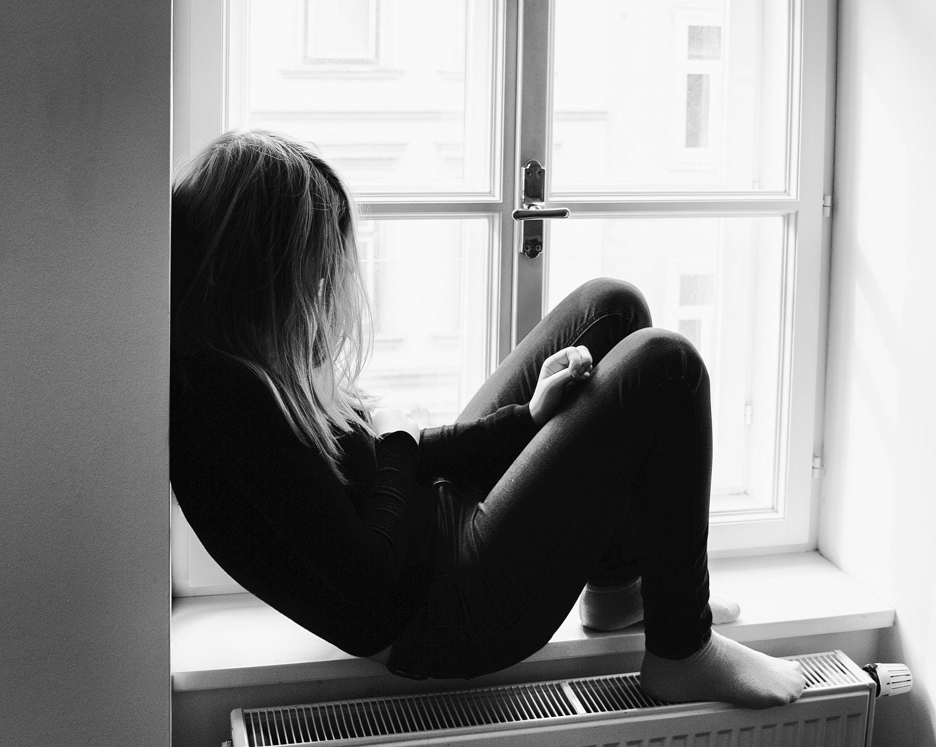 Din punct de vedere medical, depresia la adolescenți nu este diferită de depresia la adulți.