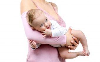 Manşeta pentru îngrijirea bebeluşului TEODOR transforma hrănirea bebelușului într-o experiență și ma...