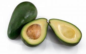 ce beneficii are avocado pentru păr
