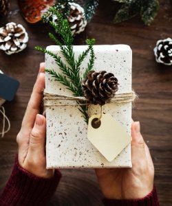 Care este rolul cadoului într-o relație, s-a gândit careva?