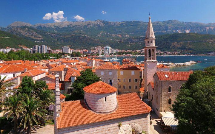 August. Budva, perla Muntenegrului