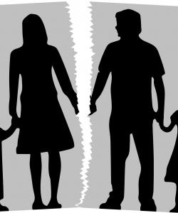 Ce îi spui copilului când divorțezi? Care este momentul potrivit și care sunt cuvintele potrivite?