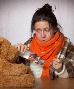 Află din articolul de față care sunt simptomele gripei, cum o recunoști și cum o deosebești de o simplă răceală.