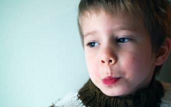 Ce faci când copilul tău vorbește urât? Cum să te comporți?