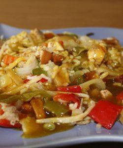 Salată de orez cu legume. Bogăție de vitamine