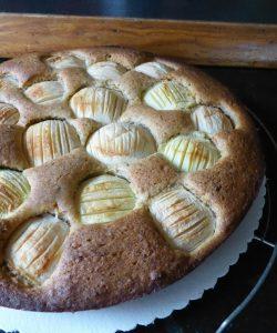 Tort de mere cu cidru. Desertul oricărui anotimp