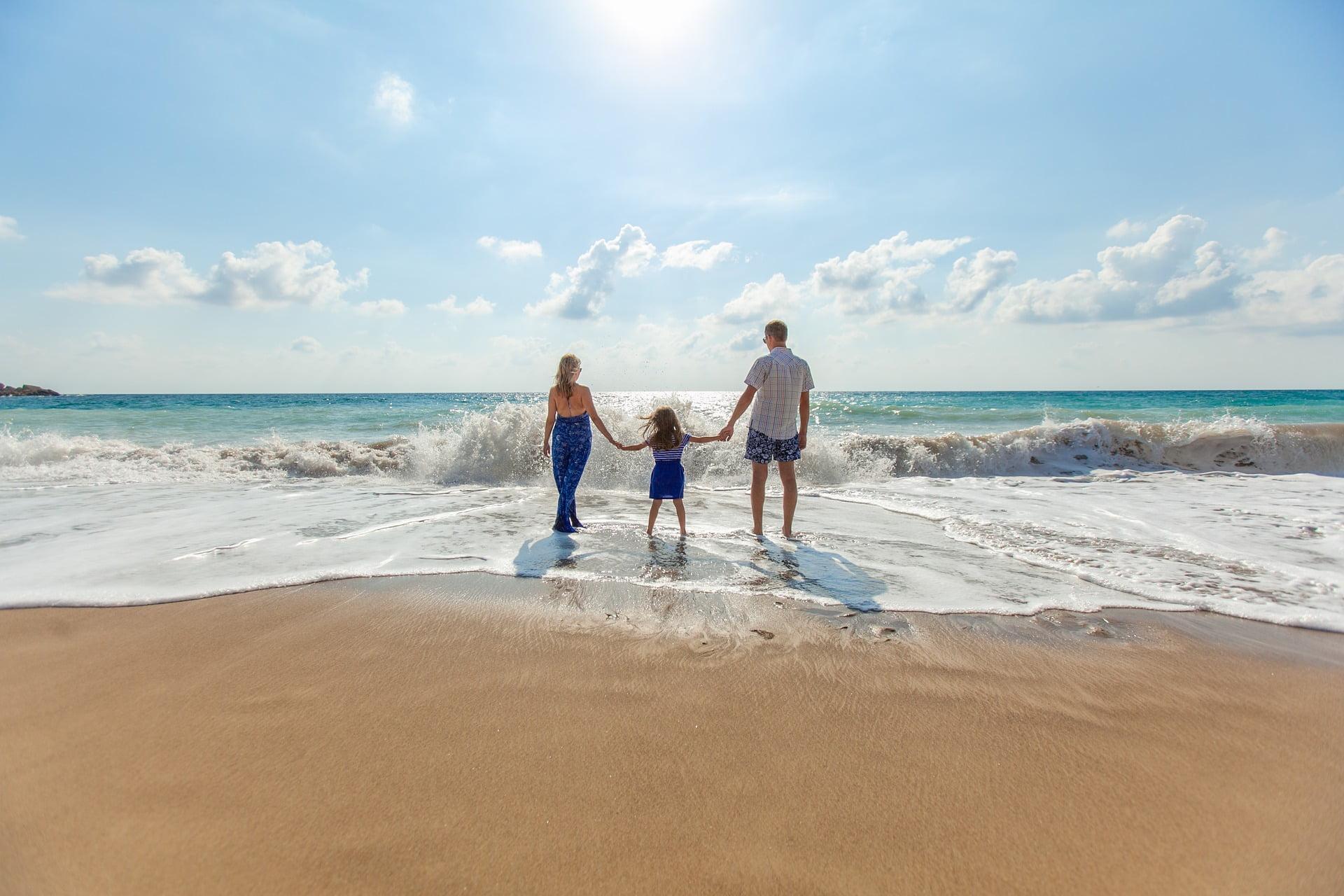 Dacă și vouă vă este gândul la vacanța de vară și vă întrebați care sunt cele mai bune destinații în Grecia pentru familii, poate vă sunt de ajutor câteva recomandări.