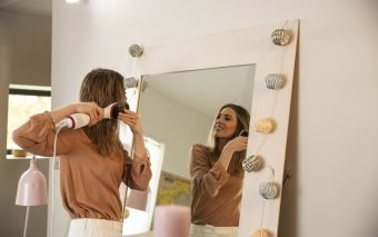 Rowenta Express Air Brush – păr strălucitor și drept în doar câteva minute
