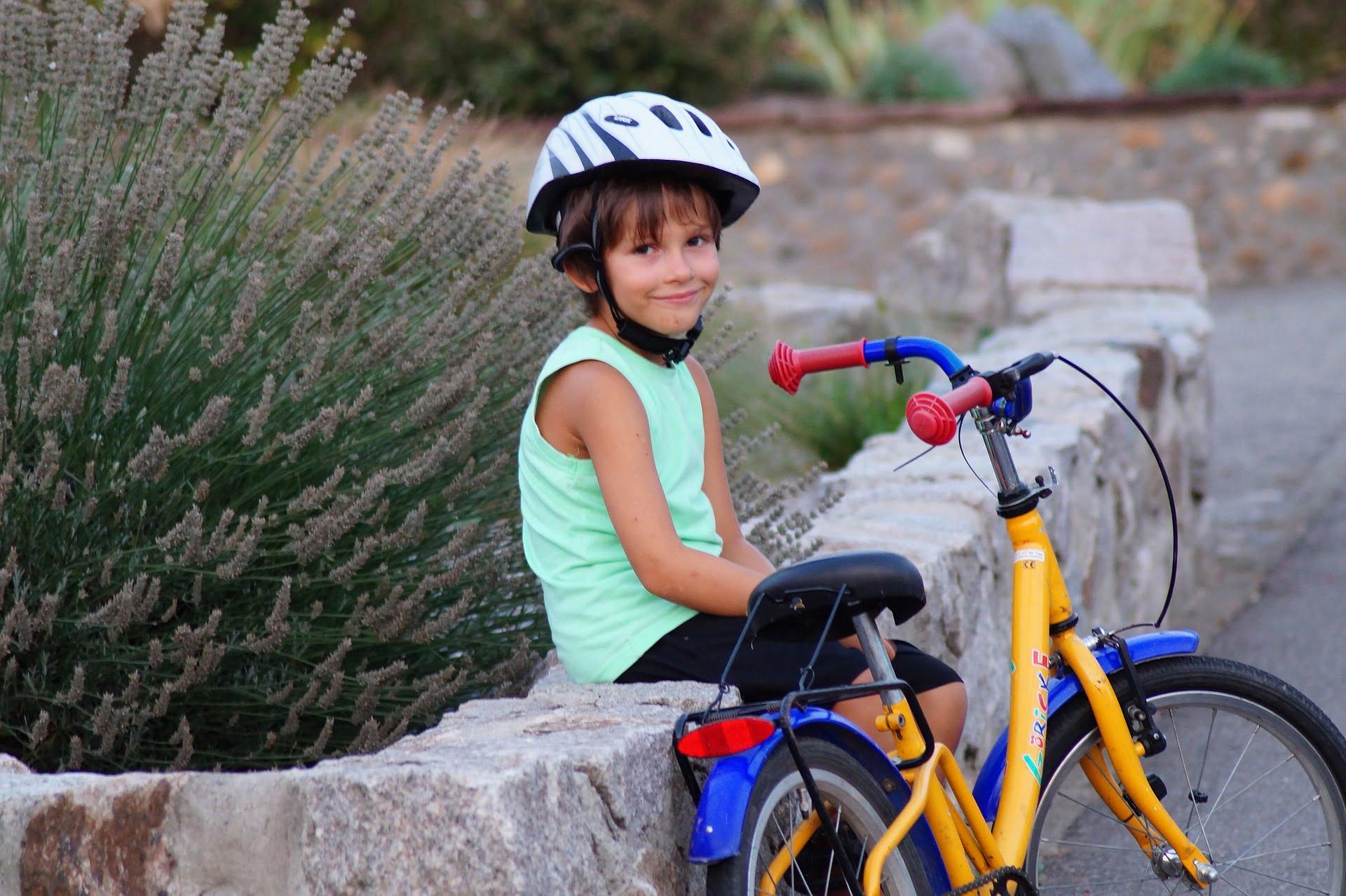 Nu știi cum convingi copilul să facă sport? Să căutam soluții împreună