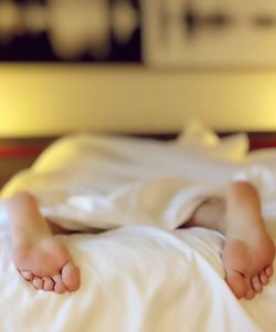 Lipsa de somn la mame e aproape stare de normalitate. Să dormi șase ore legate e curată utopie!