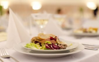 Studiu Hospitality Culture Institute: Ce comandă cel mai des românii, atunci când ies la restaurant