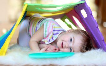 Cum să îți faci copilul să citească. De bunăvoie!