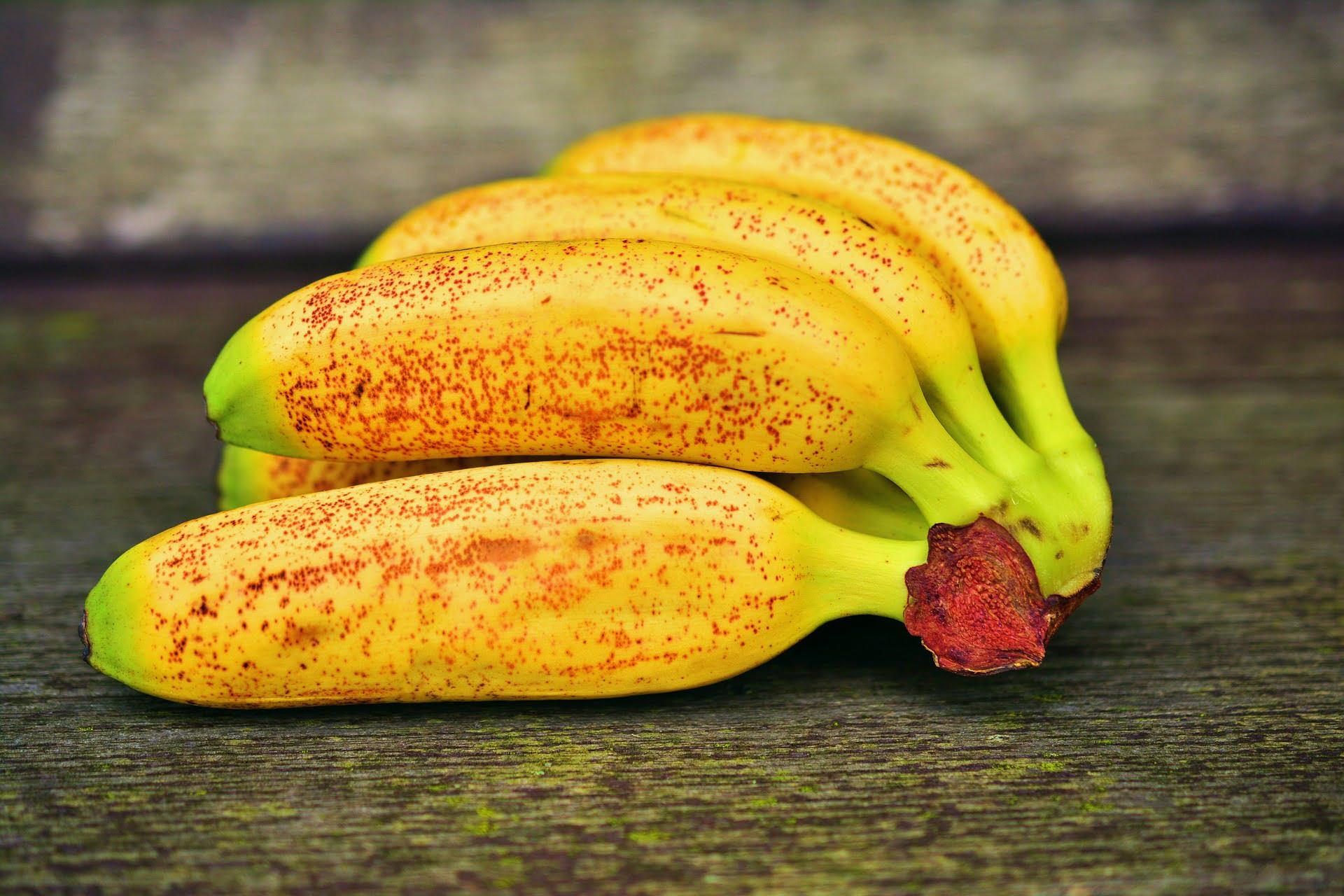 Fructe care constipă bebelușii