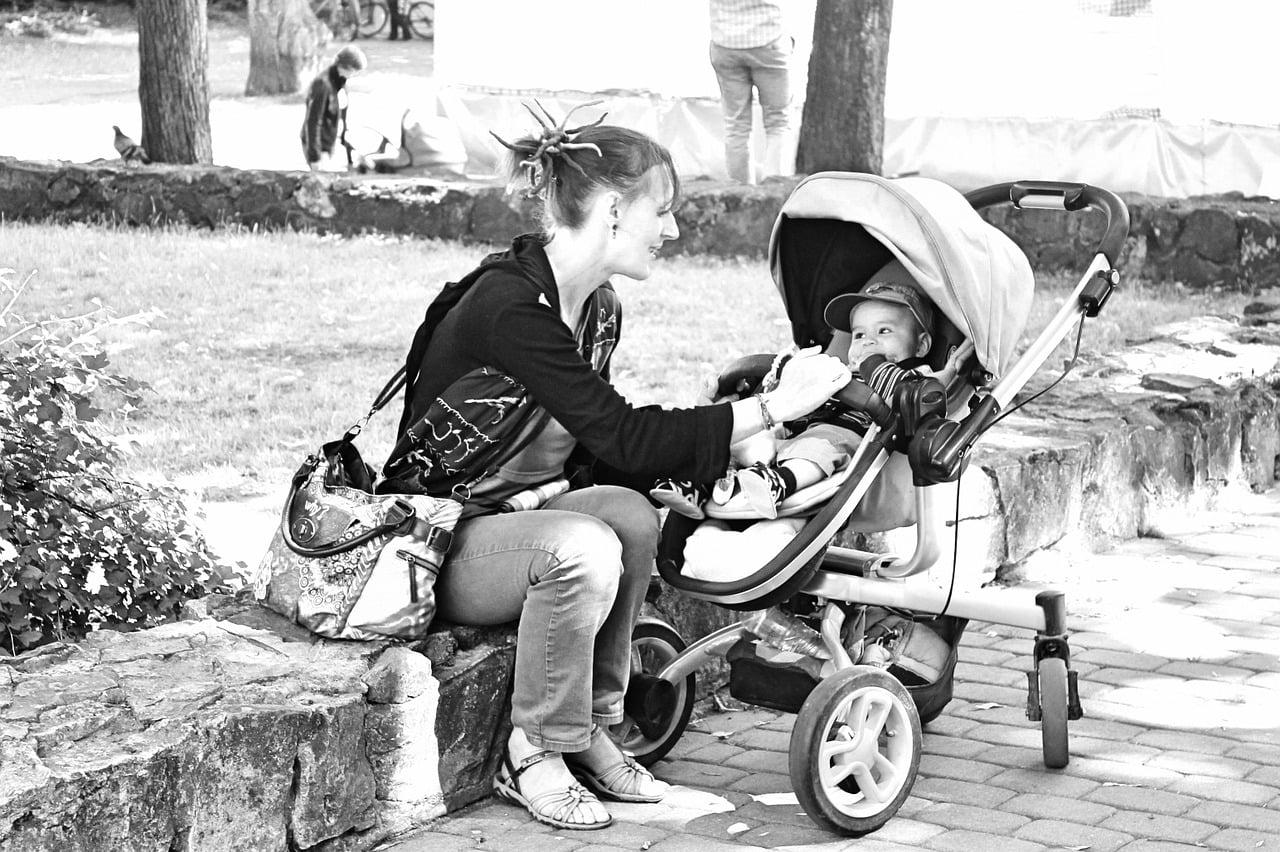 Plimbări cu bebelușul primăvara