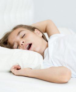 Copiii care respiră pe gură vor avea dinți înghesuiți!
