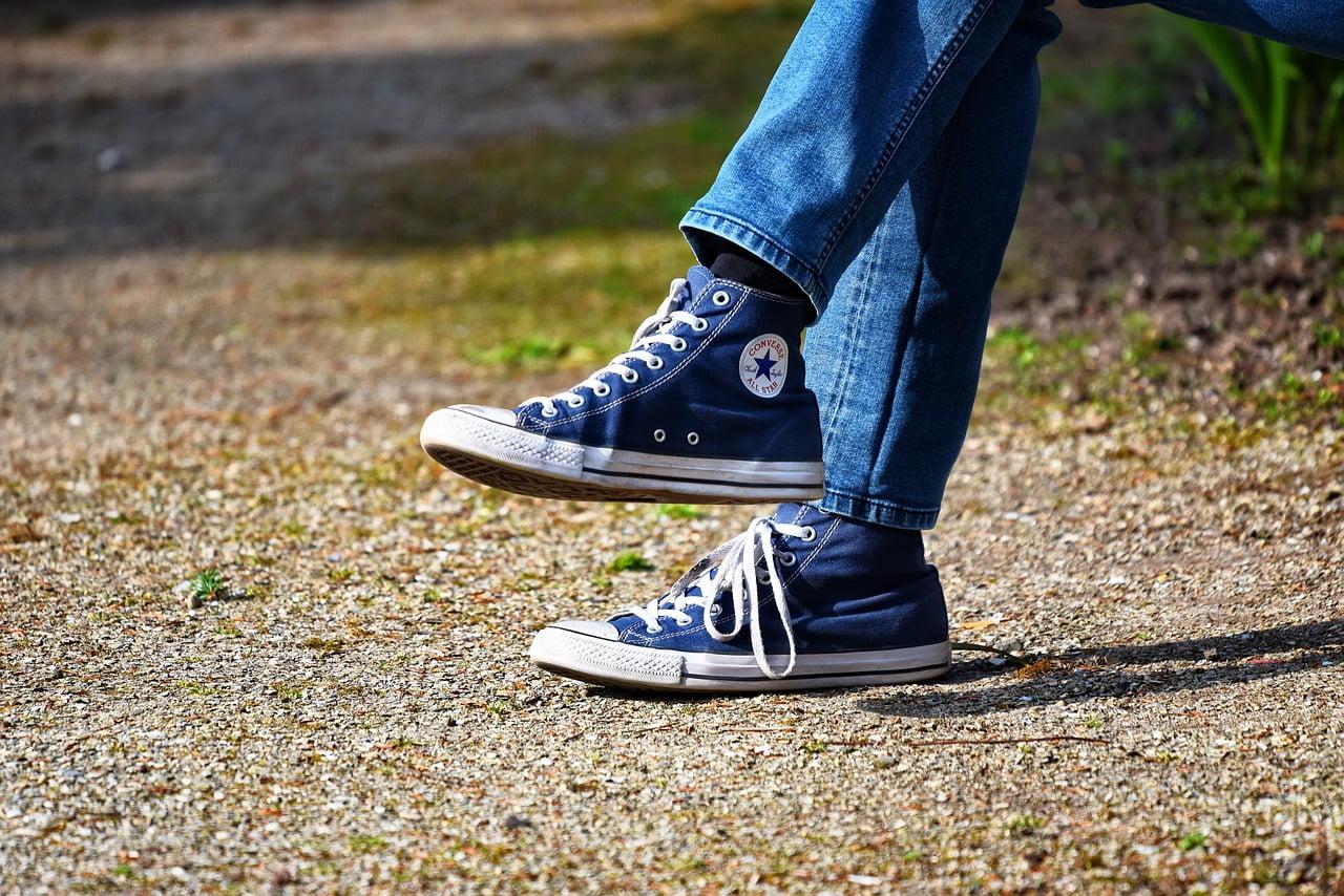De ce nu e sănătos să stai picior peste picior