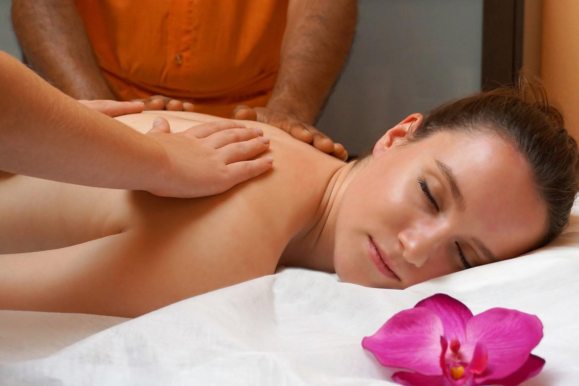 La ce ajută masajul. 7 beneficii ale masajului