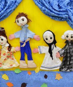 Beneficiile teatrului în dezvoltarea copilului. 5 motive pentru care teatrul este bun pentru copilul tău