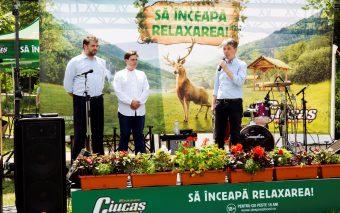 Ciucaș inaugurează în Brașov primul loc de relaxare din țară și îi readuce pe români în mijlocul nat...
