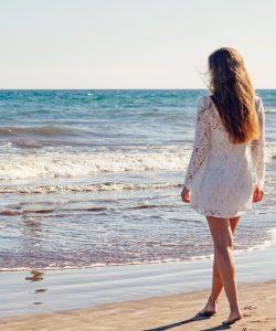 Cum îți pregătești pielea pentru plajă. Sfaturi pentru un bronz perfect