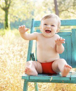 Când începe bebelușul să înțeleagă ce îi spui. Înțelegerea primelor cuvinte începe între 6 și 9 luni