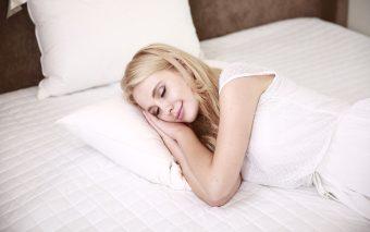 Trucuri pentru unsomn odihnitor. 7 trucuri rapide pentru a dormi mai bine noaptea