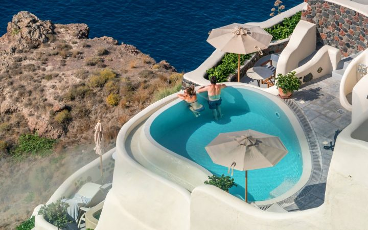 Luna de miere în Santorini - apusuri magice și piscine infinity