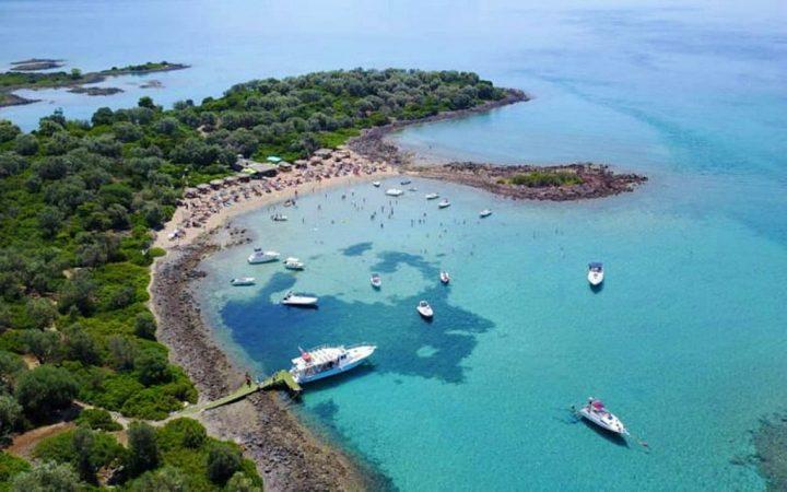 Plajele micului arhipelag Lichadonisia - Evia