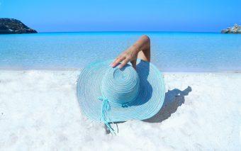 Cel mai important este să știi ce îți dorești și cum alegi crema de plajă.