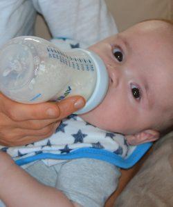 Există situații în care păstrarea laptelui matern este o necesitate.