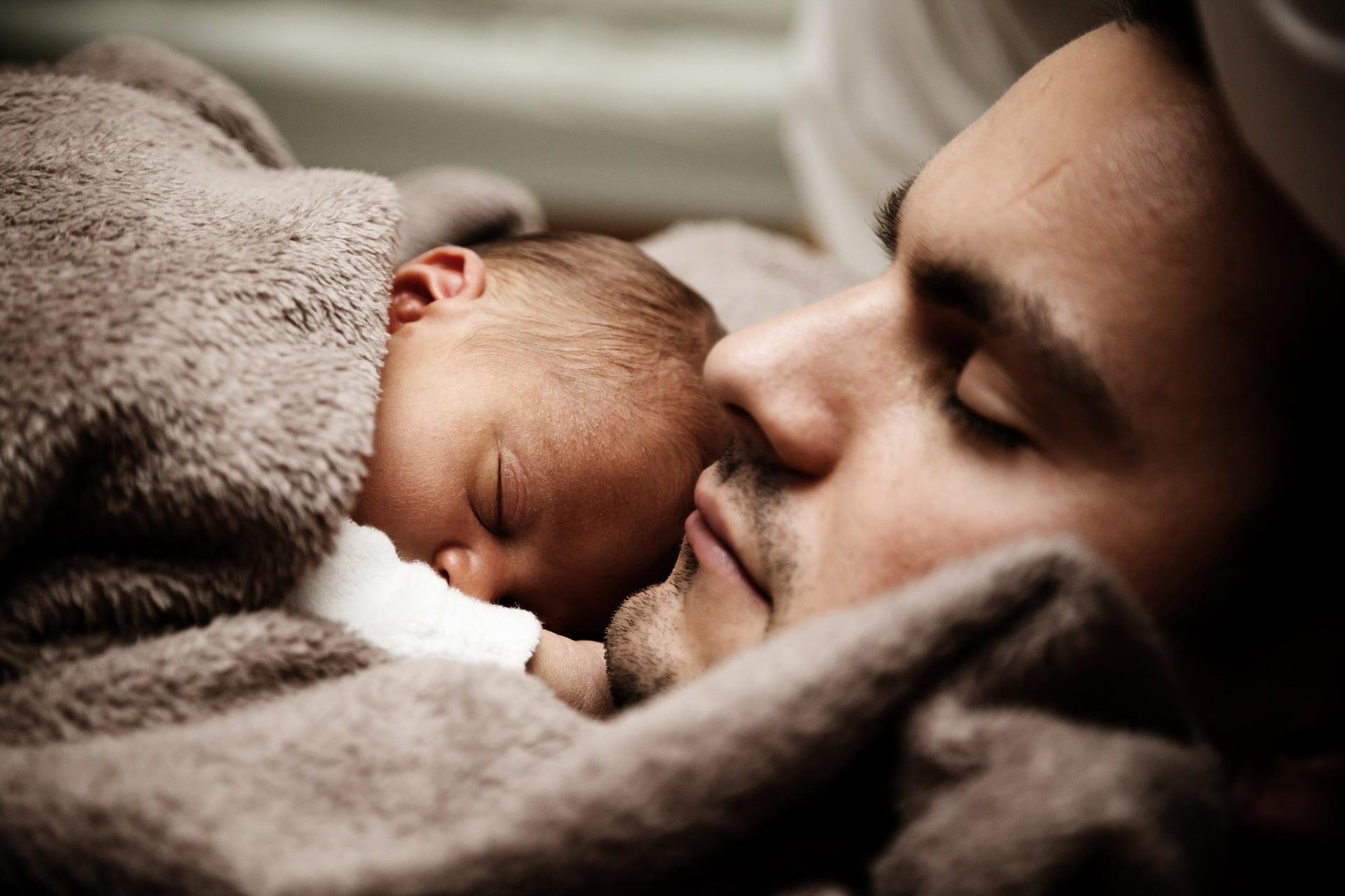 Care este rolul tatălui în sănătatea copilului, iată un subiect care merită atenție.