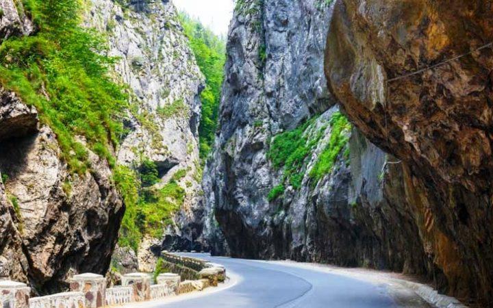Trasee de drumeții - 5 propuneri pentru zilele calde de septembrie