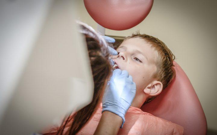 Cariile dentare la copii. Prevenirea cariilor dentare timpurii