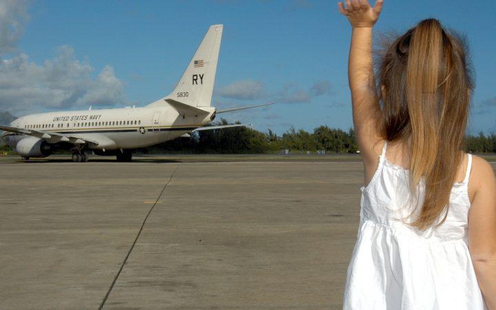 Frica de avion la copii. Cum liniștești copilul?