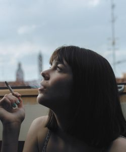 De ce fumează adolescenții? Din diferite posibile motive.