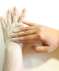 Importanța exfolierii pielii. Scrub, gomaj sau peeling?