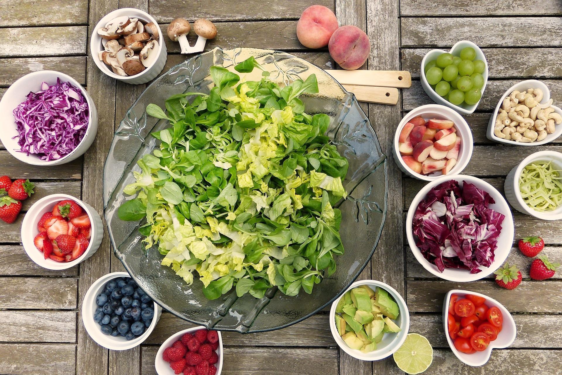 Ai nevoie de vitamine din alimente, nu doar de calorii.