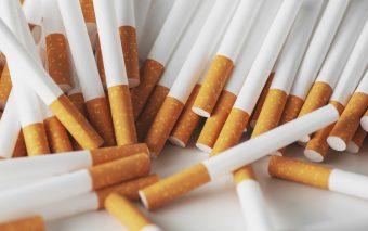 De ce fumează adolescenții. Cinci explicații pentru același viciu