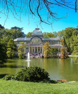 Top 5 vacanțe city break unde să simți aromele toamnei