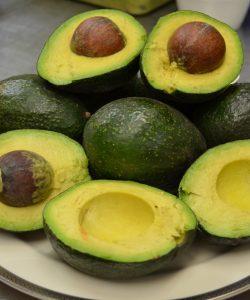 Mască de față cu avocado. Cum o prepari?