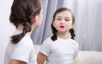 Pubertatea precoce. Ce este și cum s-o înțelegem?