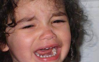 Ce îi spui copilului când plânge. 8 fraze liniștitoare