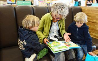 5 idei distractive care ajută copilul să învețe o limbă străină