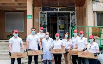"""Comtim și Elit donează 400 de porții de """"urban food"""" personalului medical de la Spitalul """"Victor Bab..."""