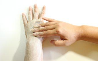 Măști naturale pentru mâini cu ingrediente din bucătăria ta