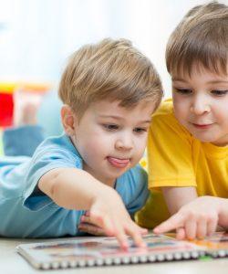 Cum pot frații să-și influențeze viețile? 4 motive științifice pentru care merită să ai un frate sau o soră
