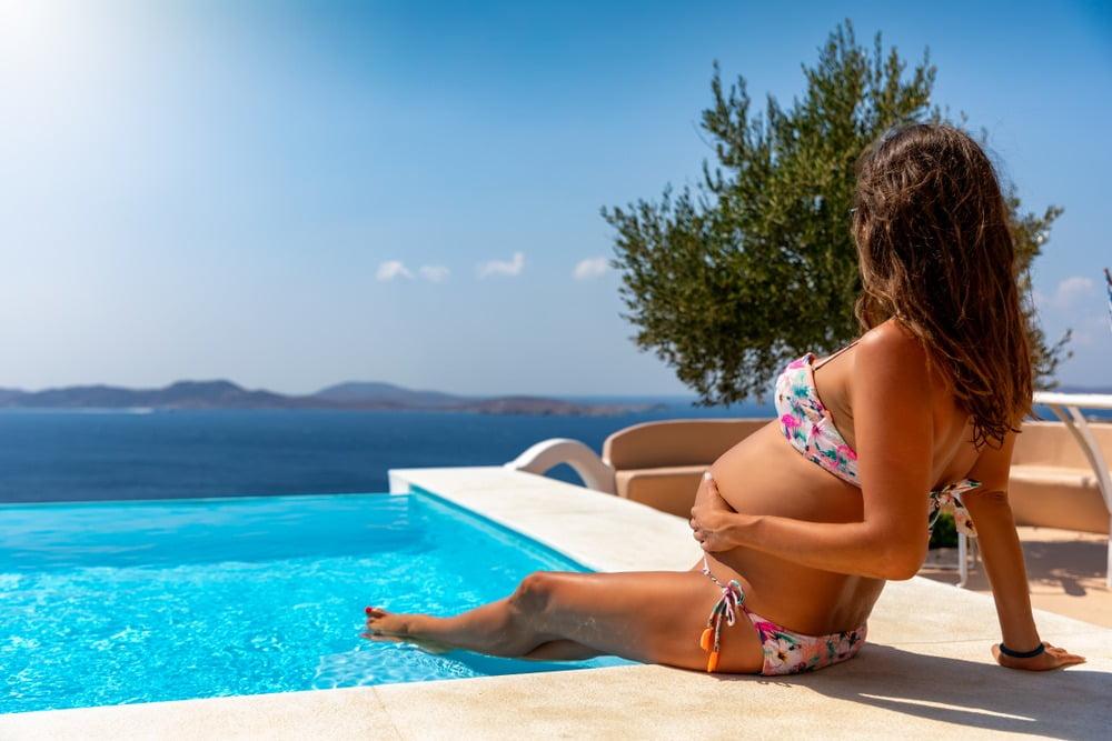 Beneficiile înotului în timpul sarcinii