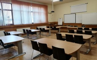 Nestlé România donează peste 800 de piese de mobilier către instituții de învățământ din județul Prahova